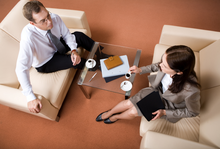 Informational interview questions that create a lasting impression | iwillteachyoutoberich.com